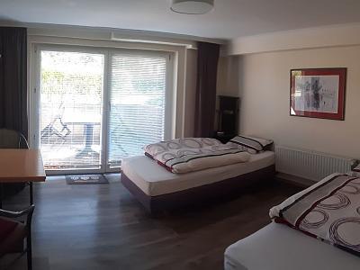 B1 - Doppelzimmer mit Terrasse