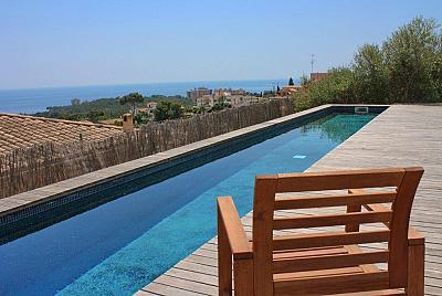 Modernes Haus in Palma Genova mit Pool und Meerblick Fu l ufig zu Restaurants gelegen