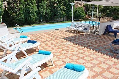 Mediterrane Ferien Villa in Bendinat mit Pool nur 50 Meter vom Meer und 5 Gehminuten vom Traumstrand entfernt