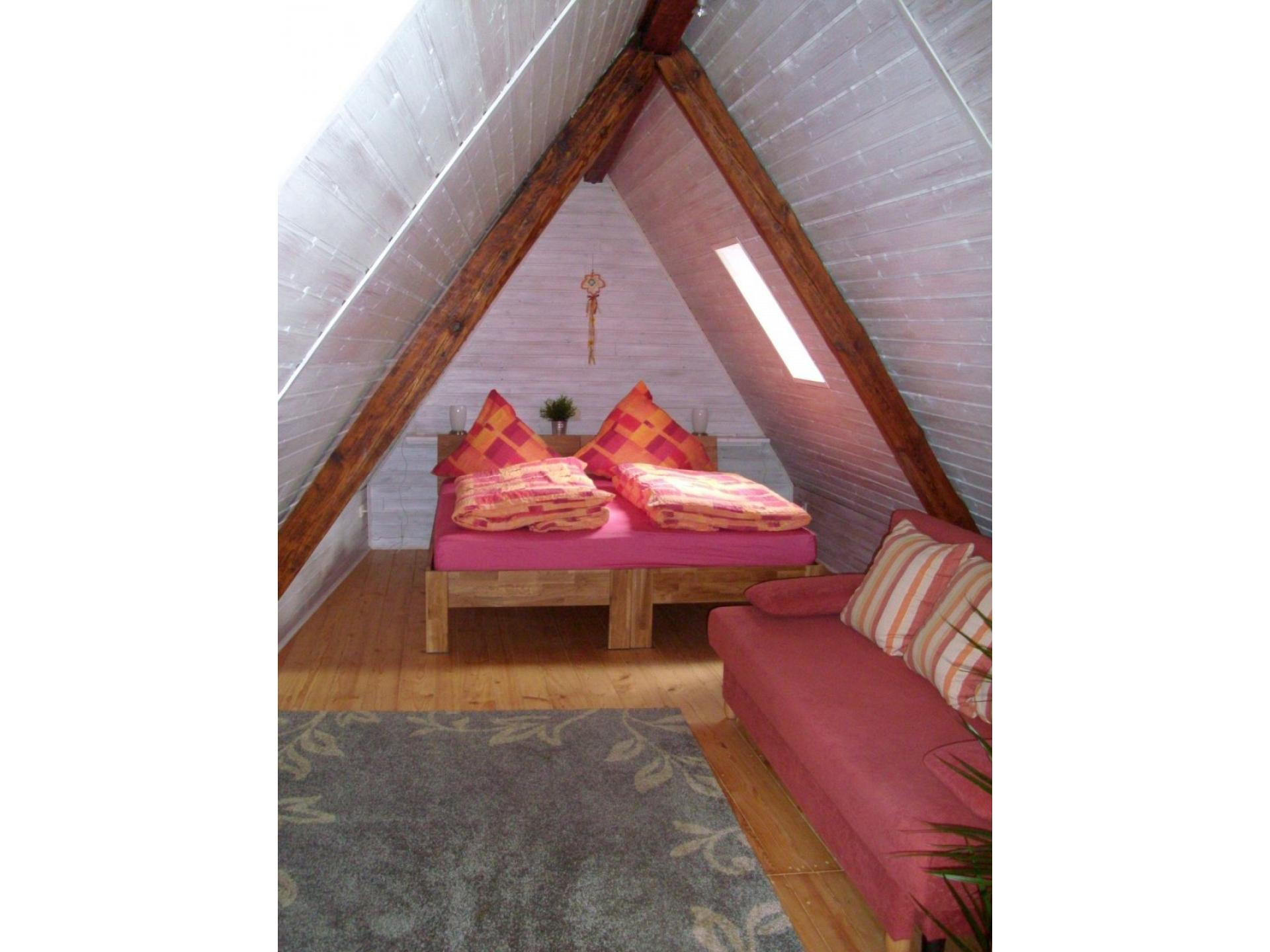Spitzgiebel Doppelbett